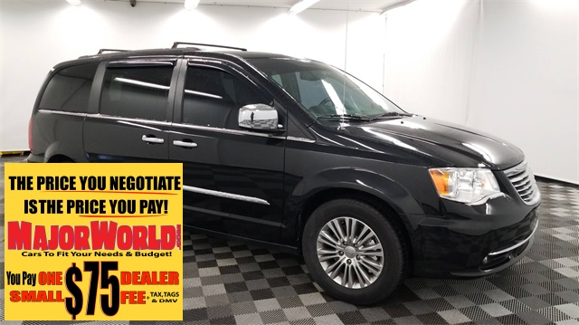 Pre Owned 2017 Chrysler Town Country Touring L